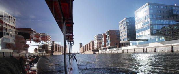 z6727777Q,Wycieczka-po-Hafen-City-w-Hamburgu-